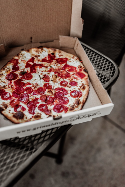 how long is pizza good for peperoni pizza in a box